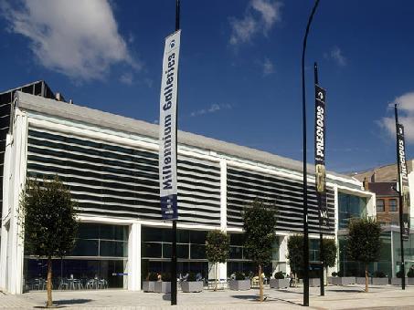 Millennium Gallery Sheffield, City Centre